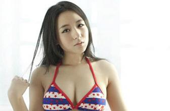 日本比基尼美女打篮球