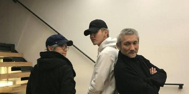 吴亦凡晒与两大导演照