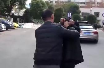 沪警方加大打击扒窃案